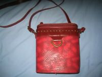 OUCH HARD HANDBAG RED