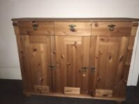 Oak wood sideboard perfect condition