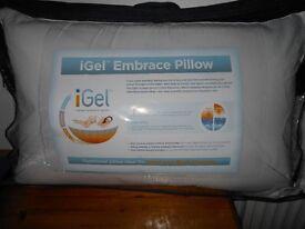 iGel™ Embrace Memory Foam Pillow