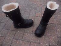 genuine australian black leather size 5.5 uggs like new