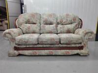 Mint condition floral 3 seater settee part of a suit / free delivery