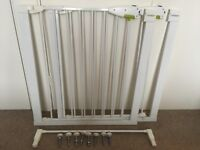 Lindum slam shut pressure fit stair gate