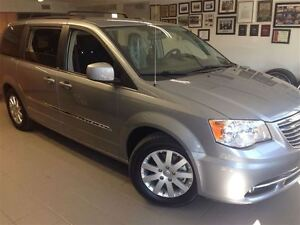2014 Chrysler Town & Country TOURING/SAVE HUGE!!