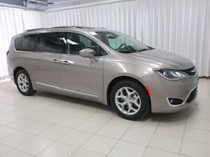 2018 Chrysler Pacifica LOW MILEAGE! TOURING 4+ 7PASS w/ BEAUTIFU