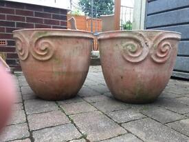 2x large pots