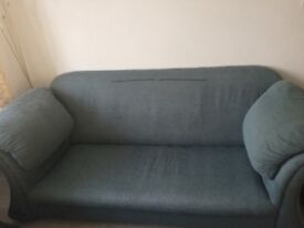 Beautiful three piece suite 1x three piece sofa, 2x single arm chairs,Turquoise (blue/green)