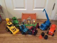 Bob the builder vehicles and house/museum with Bob, Spud, Brad, Mayor & Pilchard figures