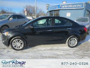 2014 Chevrolet Sonic LT Auto / Sunroof/Heated Seats/Back Up cam