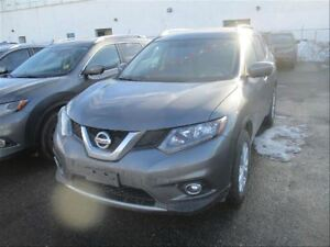 2016 Nissan Rogue SV AWD | Heated Seats | Roof | Bluetooth | LOW