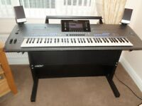 YAMAHA TYROS 5 KEYBOARD IN IMMACULATE CONDITION