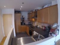 Double room with private bathroom by Kew Bridge