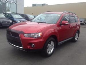 2011 Mitsubishi Outlander LS sun and sound