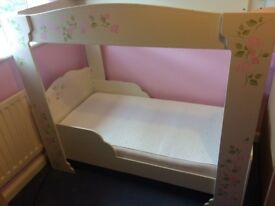 Beautiful Toddler Girls 4 Poster Bed with Bedding and Mattress- excellent condition