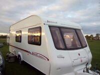 2004 Elddis Avante 524 Caravan 4 berth with end bathroom