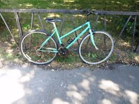 """Ladies Road Bike Bicycle For Sale. Fully Serviced & Ready To Ride. Guaranteed. 18 Speed. 18"""" Frame"""