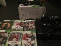Xbox console few games. Defect on tray
