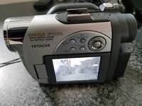 Hitachi mini disc DVD cam with new discs and 2x batterys all leads