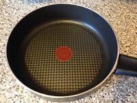 Jamie Oliver Tefal Titanium Saute Pan and Lid 24cm