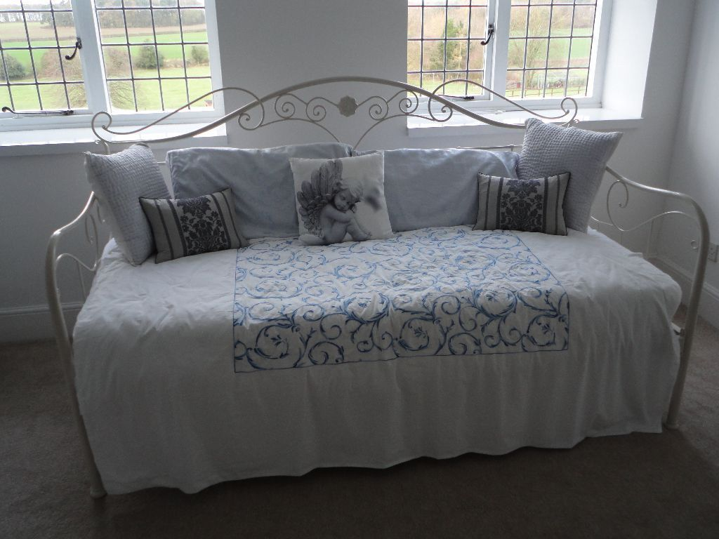 Laura Ashley Bedding For Daybeds : New laura ashley alice day bed ivory metal frame with
