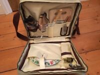 Luxury Picnic Back Pack - 2 person (Never used)