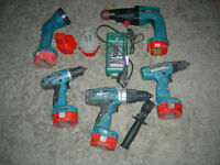 makita combi drill hammer x4 drills 12v 2.0 Ah with spair battery
