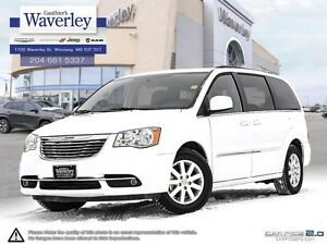 2015 Chrysler Town & Country Touring *Locally Owned
