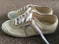 Ladies trainers-size 6/39-brand new!