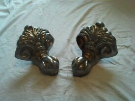 2 Cast Iron Claws