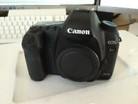 Canon 5D mark ii , 2 digital SLR camera - good condition