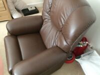 Lazy boy brown leather chair. Arm chair. Recliner. Not lift. Leather chair.