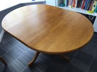 Solid wood quality extendable dining table