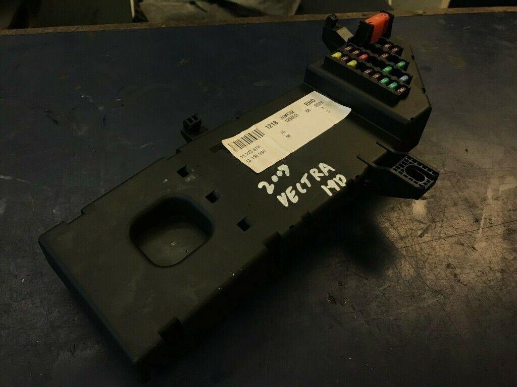 2007 VAUXHALL VECTRA 1.9 CDTI CONTROL MODULE & FUSE BOX 13223678  on