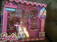 New barbie Malibu ave playset only