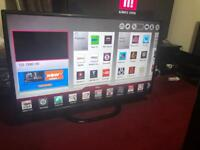 32 inches LG Smart tv with Remote in perfect working conditions