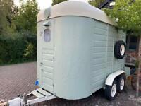 Sinclair horsebox trailer bar