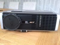 Acer PD527W Projector