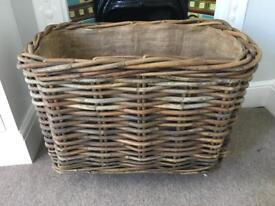Wood / log basket