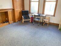 In Flat 1stFloor New 2 Double Rooms Share 2BathShower Kitchen IncludesBills VeryNearRailTubeBusShops