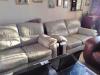 3.+2 setter sofa free to any body cream pick up only phone 07493649860