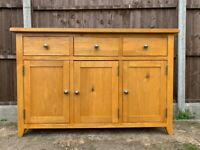 Beautiful Solid Oak Country Sideboard - 3 Draw – 3 Door - Great Quality & Condition