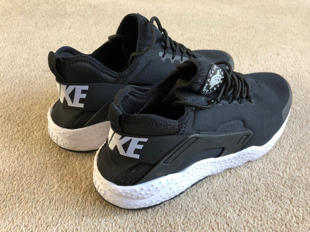 f8c035808988 Nike air huarache style trainers size 10 UK