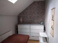 Therapy room in friendly East Finchley clinic from £30 a week.