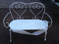 Beautiful white metal Garden furniture set - french style