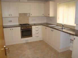 spacious ground floor 2 bedroom unfurnished flat