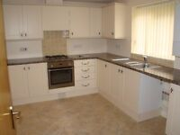 spacious ground floor 2 bedroom unfurnished flat
