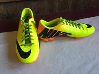 Nike men's footboots mercuriai yellow size: 7 used £8 good condition