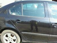 2008 SKODA OCTAVIA MK2 1.9TDI DRIVERSIDE RIGHT REAR DOOR BLACK / BXE TURBO ENGINE INJECTORS