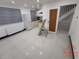 3 bedroom flat in Grenaby Avenue, CR0