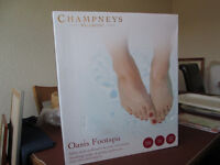 Champneys Wellbeing Oasis Footspa Salon style pedicures at home/Make offer