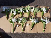 10 Imitation/Plastic White Flower Bouquets Wedding Banquet Party Home 025